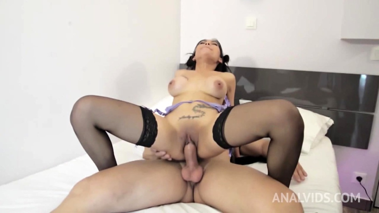 Asian slut Polly Pons assfucked by her tinder date OTS009